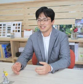 クレアガーデン代表 横岡